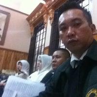 Photo taken at Sekretariat Kecamatan Gubeng by Harry A. on 10/2/2012