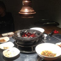 Photo taken at 牛和牛韩式烤肉店 by Роман Н. on 10/11/2013