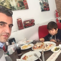 Photo taken at Pizza Pino by Fırat Y. on 1/30/2017