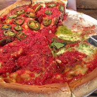 Foto tirada no(a) Patxi's Pizza por Kiran P. em 5/23/2013