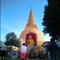 Photo taken at Phra Pathom Chedi by Pichan P. on 4/27/2013