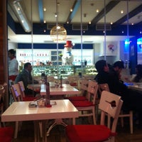 Foto scattata a Zamane Kahvesi da Cigdem G. il 12/12/2012