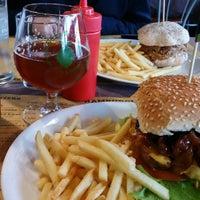 Photo taken at Hangar Burger by Quanti on 11/18/2016
