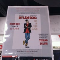 Photo taken at Mondadori Multicenter by Quanti on 10/6/2016