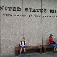 Das Foto wurde bei United States Mint von Neecie am 6/8/2013 aufgenommen
