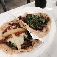 Foto scattata a Los Tacos No. 1 da f_raud il 8/25/2017