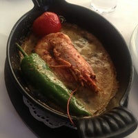 Foto tirada no(a) Trilye Restaurant por Doris em 2/27/2014
