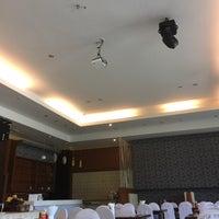 Photo taken at Kresident Hotel by Jeeraphat U. on 10/19/2016