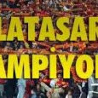 Photo taken at Galatasaray Şampiyonluk Kutlamaları by Mehmet T. on 5/5/2013