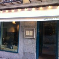 Foto tomada en Vinoteca Moratín por Patricia P. el 2/7/2013
