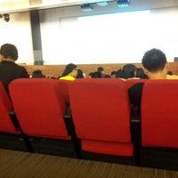 Foto tirada no(a) Auditorium BINUS University por Wonghae em 10/1/2012