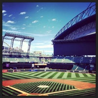 Foto tirada no(a) Safeco Field por Mike B. em 6/28/2013