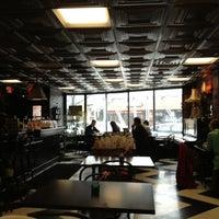 3/10/2013에 Cesar M.님이 Madame Zuzu's Tea House에서 찍은 사진