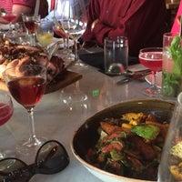 Foto scattata a Jsix Restaurant da Genevieve C. il 6/4/2014