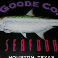 Photo prise au Goode Company Seafood par Quinn L. le9/15/2012