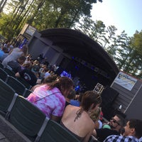 Photo prise au Greenfield Lake Amphitheater par Kristin W. le7/28/2016