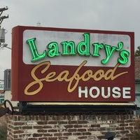 Photo taken at Landry's Seafood House by ɐlᴉʇʇu∀ ſ. on 5/16/2016