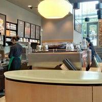 Photo taken at Starbucks by Reyner L. on 5/24/2016