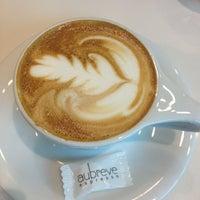Снимок сделан в Au Breve Espresso пользователем Lauren R. 11/28/2012