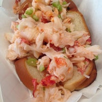 Photo taken at Greenpoint Fish & Lobster Co. by Michal R. on 8/7/2014
