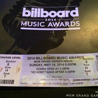 Photo taken at Billboard Music Awards by Melany B. on 5/18/2014