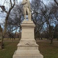 3/15/2013 tarihinde Timothy L.ziyaretçi tarafından Alexander Hamilton Statue'de çekilen fotoğraf