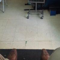 Photo taken at Luz's Shoe Repair by Vicario Brensley P. on 7/31/2013