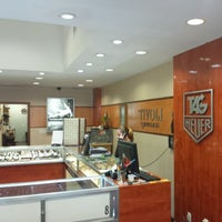 Photo taken at Tivoli Jewelers by Vicario Brensley P. on 7/9/2014
