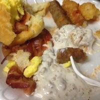 Photo taken at Breakfast Bar @ Hotel At Waterwalk by Laura B. on 11/30/2013