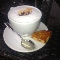 10/27/2012 tarihinde Azem T.ziyaretçi tarafından Divan Pub'de çekilen fotoğraf