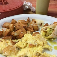 Photo taken at Taqueria Cancun by Christine L. on 7/5/2014
