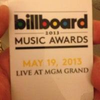 Photo taken at Billboard Music Awards by Juan Bosco M. on 5/20/2013