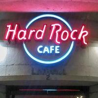 Photo taken at Hard Rock Cafe Lisbon by Saraiva N. on 9/18/2012