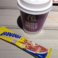 Photo taken at McDonald's by Fer V. on 12/20/2014