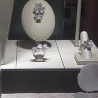 Photo taken at Van Cleef & Arpels by Lauren K. on 4/10/2014