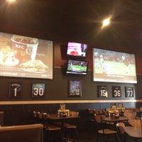 12/5/2012 tarihinde Joshua M.ziyaretçi tarafından Buffalo Wild Wings'de çekilen fotoğraf