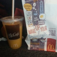 Photo taken at McDonald's by Edgar L. on 12/7/2013