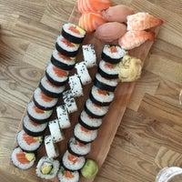Das Foto wurde bei Sushi Lounge von Katariina K. am 7/4/2017 aufgenommen