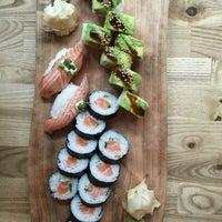 Das Foto wurde bei Sushi Lounge von Katariina K. am 9/10/2016 aufgenommen