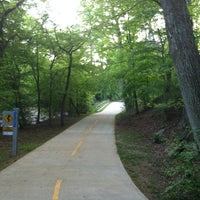 Das Foto wurde bei Atlanta BeltLine Trailhead @ Bobby Jones Golf Course von Jessica F. am 4/23/2013 aufgenommen