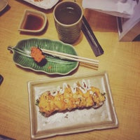 Photo taken at De'Sushi by Zathurriqay N. on 10/22/2015