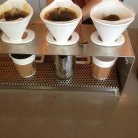 Foto scattata a Ultimo Coffee Bar da William D. il 6/14/2013