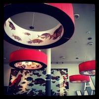 Foto tirada no(a) Darwin's Café por Vitor R. em 2/24/2013