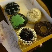 Photo taken at J.Co Donuts & Coffee by Oktavia Z. on 1/17/2014