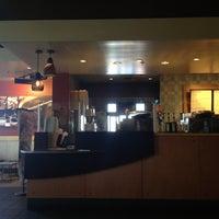 Photo taken at Starbucks by Zarutobiiz on 6/17/2013