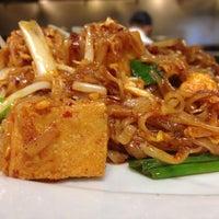 Photo prise au Archi's Thai Bistro par Zarutobiiz le11/16/2012