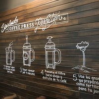 3/15/2017 tarihinde Rodrigo B.ziyaretçi tarafından Starbucks'de çekilen fotoğraf