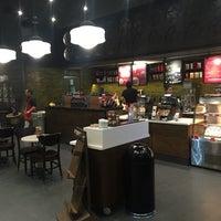 12/26/2016 tarihinde Rodrigo B.ziyaretçi tarafından Starbucks'de çekilen fotoğraf