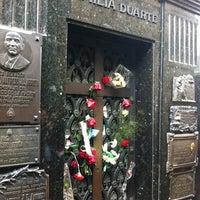 Foto tirada no(a) Cemitério da Recoleta por Rodrigo B. em 9/19/2012