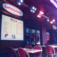 Photo taken at La Pizza Cresci by Guillaume D. on 2/26/2013
